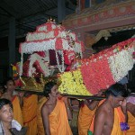 Devotees carrying Shri Durga during Rathotsava
